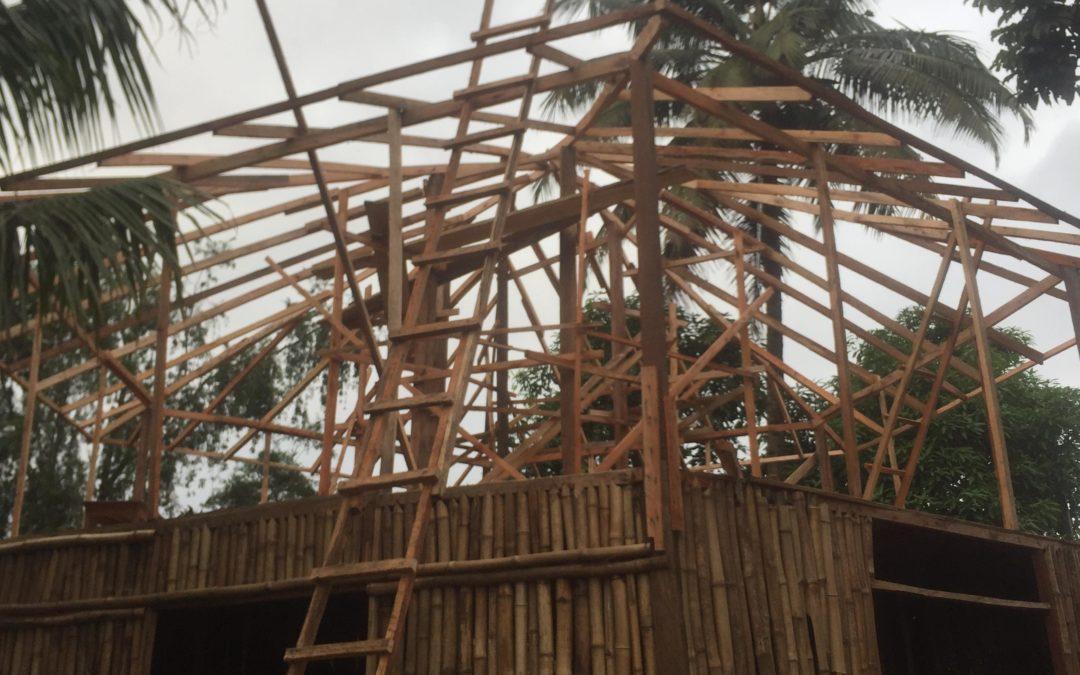 Das Dach nimmt formen an